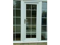 White glazed Georgian Bar effect UVPC front door,with 3 keys & frame. Good condtion