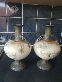 Crownford Pottery Vase / Urns