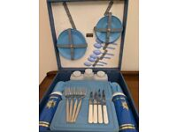 VINTAGE BLUE SIRRAM 4 PERSON PICNIC SET BOX WITH PLATES CUPS SAUCERS CUTLERY FLASKS FOOD BOXES