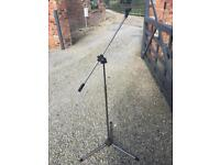Boom arm microphone stand