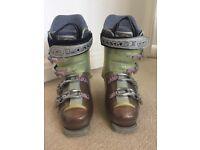 Women's Lange Ski Boots - Size 5