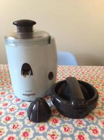 Magimix Le Duo Juicer in Light Blue