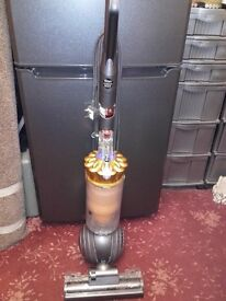 DYSON DC40/ HOOVER/ VACUUM CLEANER/CARPETS