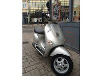 Piaggio Vespa ET4 125cc (Silver) 2000 Good Condition low miles