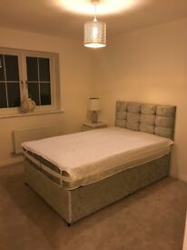 For rent 2 x double rooms in brand new three storey 4 bedroom property in private development