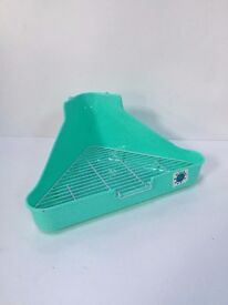 Corner litter pan or dust bath chinchilla rrp9.99