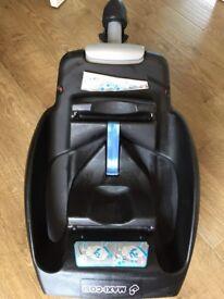 Maxi Cosi Easyfix car seat base in Good Condition