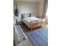 Monday to Friday let. A spacious sea view double room is available at house in Poole town centre