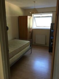 LOOKING FOR IMMEDIATE ACCOMMODATION? ROOMS-DOUBLE/SINGLE-DSS ACCEPTED