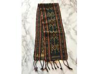 Tribal pattern table runner bnwt