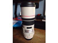 Canon EF 300 F/4.0 L lens