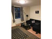 Spacious 4 bed flat with 2 baths and living room near Agnel Station ideal for sharers!