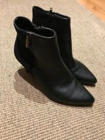 Girls Black Ankle Boots size 36 (UK 3.5) ideal for Twins