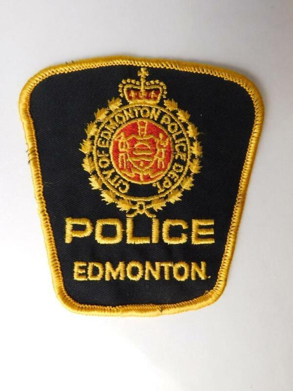 EDMONTON POLICE VINTAGE PATCH BADGE ALBERTA CITY CANADA COLLECTOR