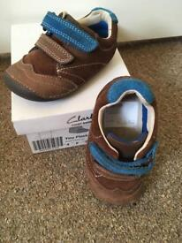 4 f clarks boys shoes Immaculate