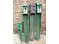 Fench post metal stakes (4)