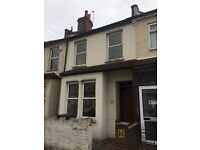 Large 4 Bed room house to rent in Croydon