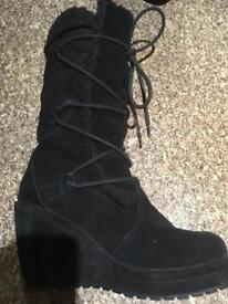 Rocket dog Black boots size 6