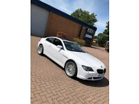 BMW 645CI V8 COUPE WHITE WITH RED LEATHER INTERIOR PANORAMIC ROOF HEAD TURNER