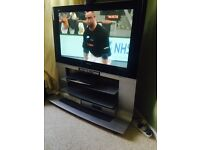 42' flat screen tvand stand