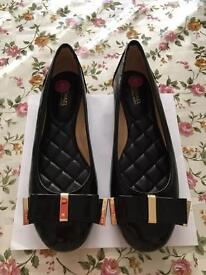 MICHAEL Michael Kors Kiera Leather Bow Ballet Flat, Black Size 3