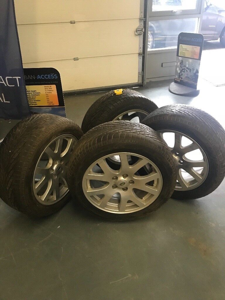Landrover alloys and Goodyear tyres