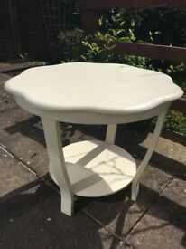 CREAM OCCASIONAL TABLE
