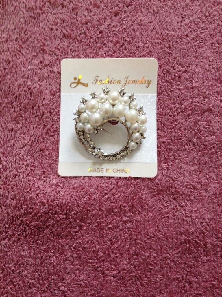 Sparkling Brooches Costume Jewellery