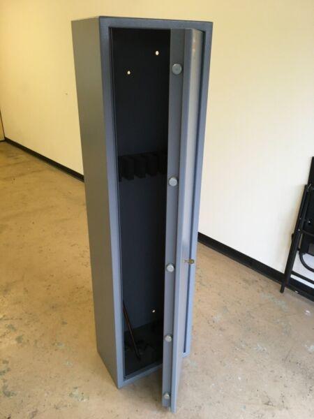 Brattonsound 7 gun rifle shotgun cabinet 5 pin vault locking door for sale  Thatcham, Berkshire