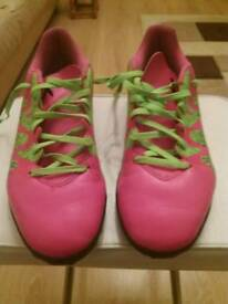 Adidas size 8 football trainers