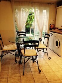Lovely dining set with 4 chairs - indoor/outdoor