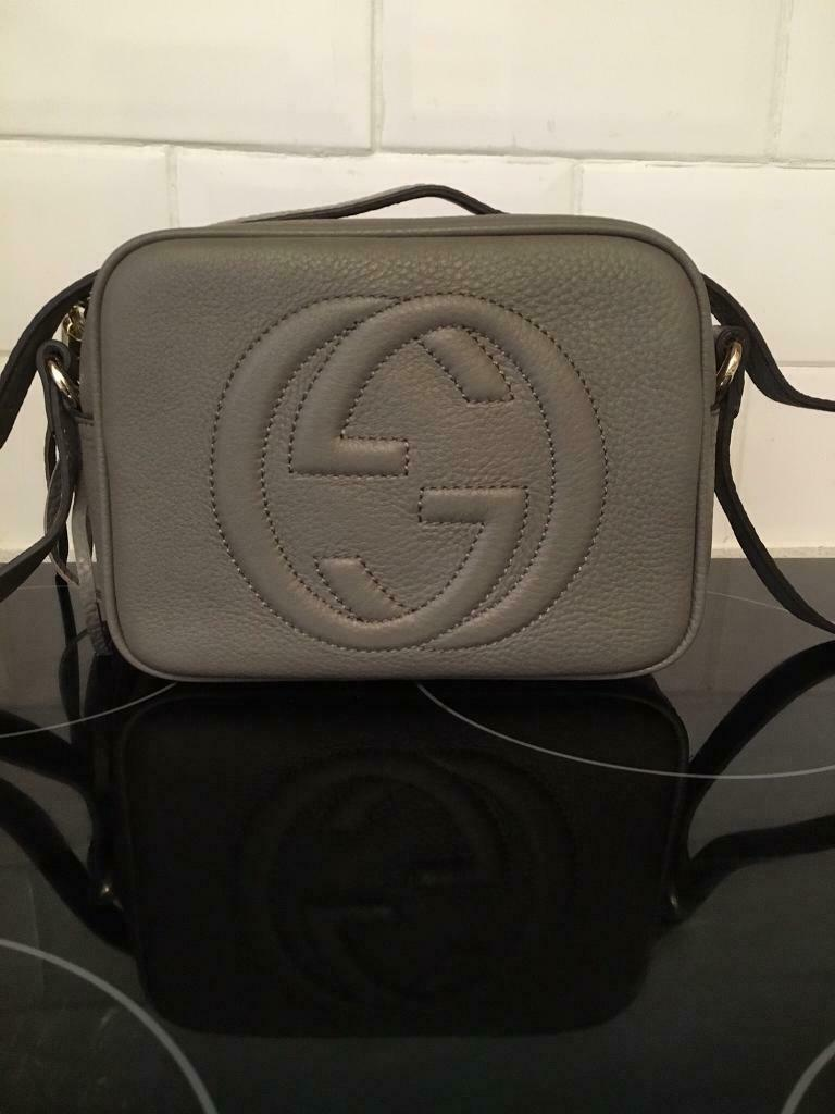 8cfb6ede1c9 Grey pebbled leather Gucci soho disco bag