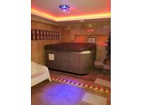 Slough High Street SL1 Sauna/Spa Fully fitted in good location Available now