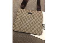 Gucci messenger bag like new