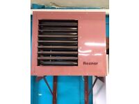 REZNOR GAS FIRED AIR HEATER - Model EURO-C 40475 (w/ Wall Support Beams) PERFECT WORKING ORDER