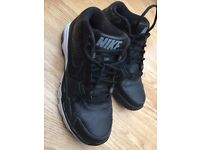 NIKE Trainers, Mens Size 7.5