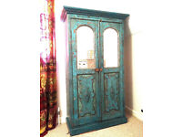 Antique Indian wardrobe, 100 years old, beautiful wood, elegant style, two mirrors, two shelves