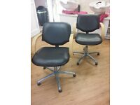 HAIRDRESSING CHAIRS 2 BACKWASH by REM, ADJUSTABLE, ALWAYS BEEN USED WITH COVERS ON THEM, NO RIPS