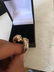 9ct gold bulldog heads ring