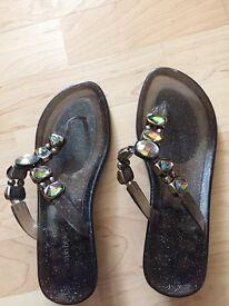 Ladies Moda in Pelle Bronze/Black Perspex Beach Shoes
