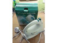 Frigidaire FCL-811HM hand mixer