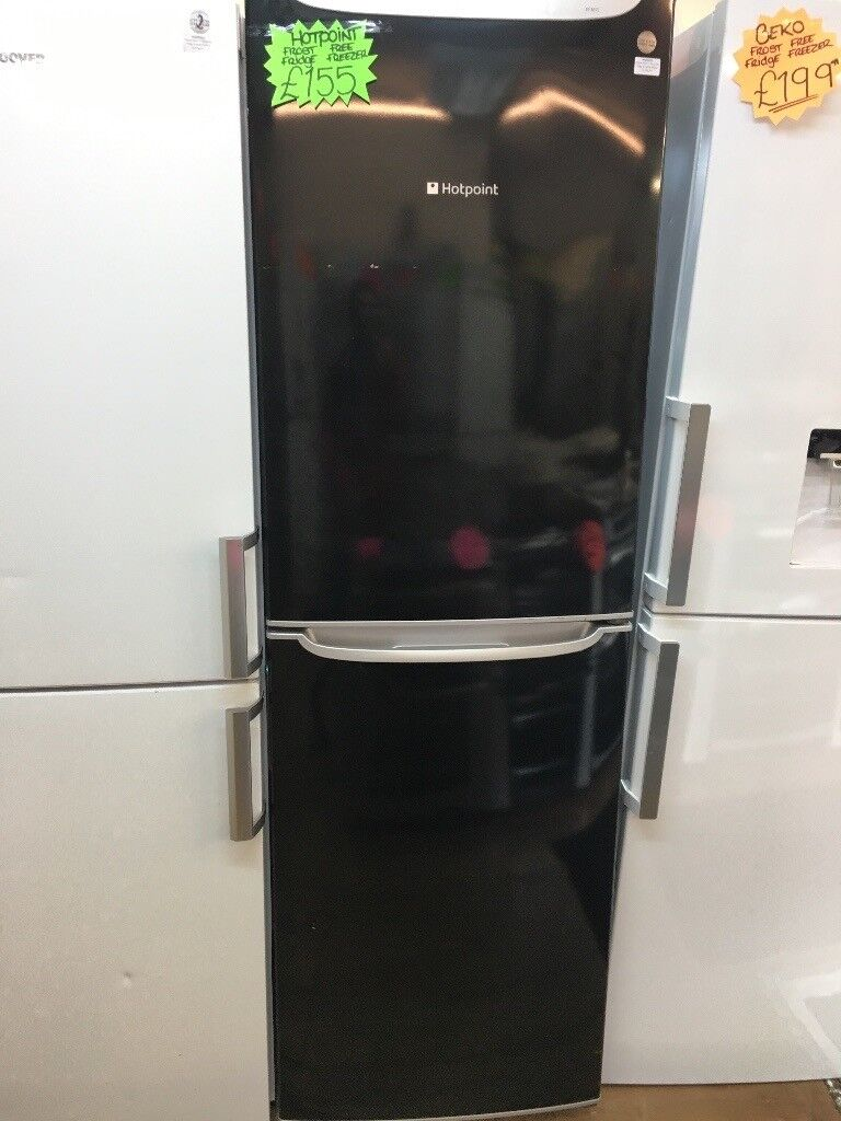 HOTPOINT FUTURE FROST FREE FRIDGE FREEZER IN BLACK