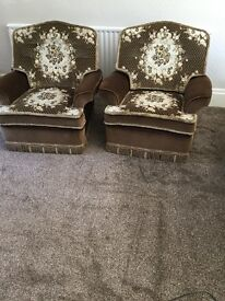 Suites and chairs for sale for £100