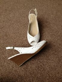 Size 6 white leather wedges