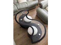 Modern Black High gloss S-shape coffee table With black border furniture