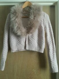 Pink cropped cardigan w/detachable faux fur collar