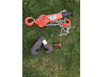 Engine hoist with girder clamp excellent condition