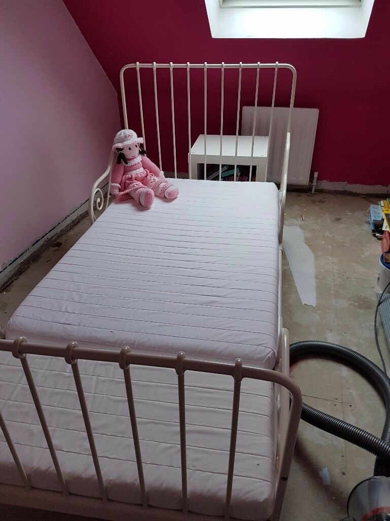 Single bed & Mattress extendable to toddler size