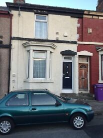 16 Globe Street, 2 bedroom house £430 per month.