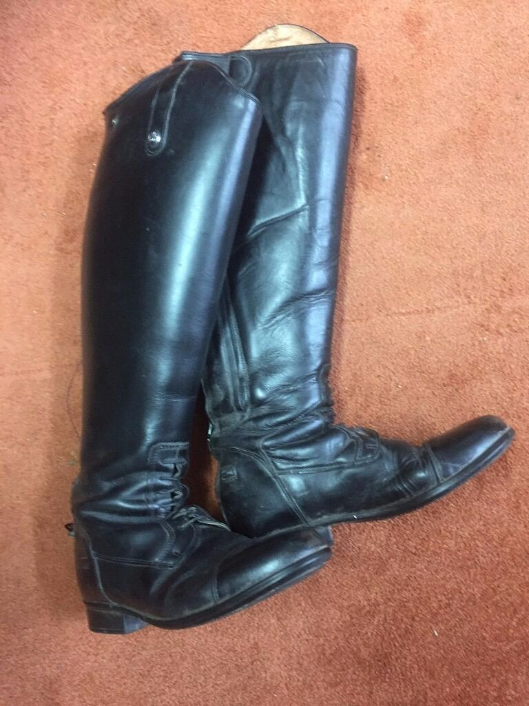 8eab00aeb3 Ladies Mark Todd long leather riding boots size 5 wide